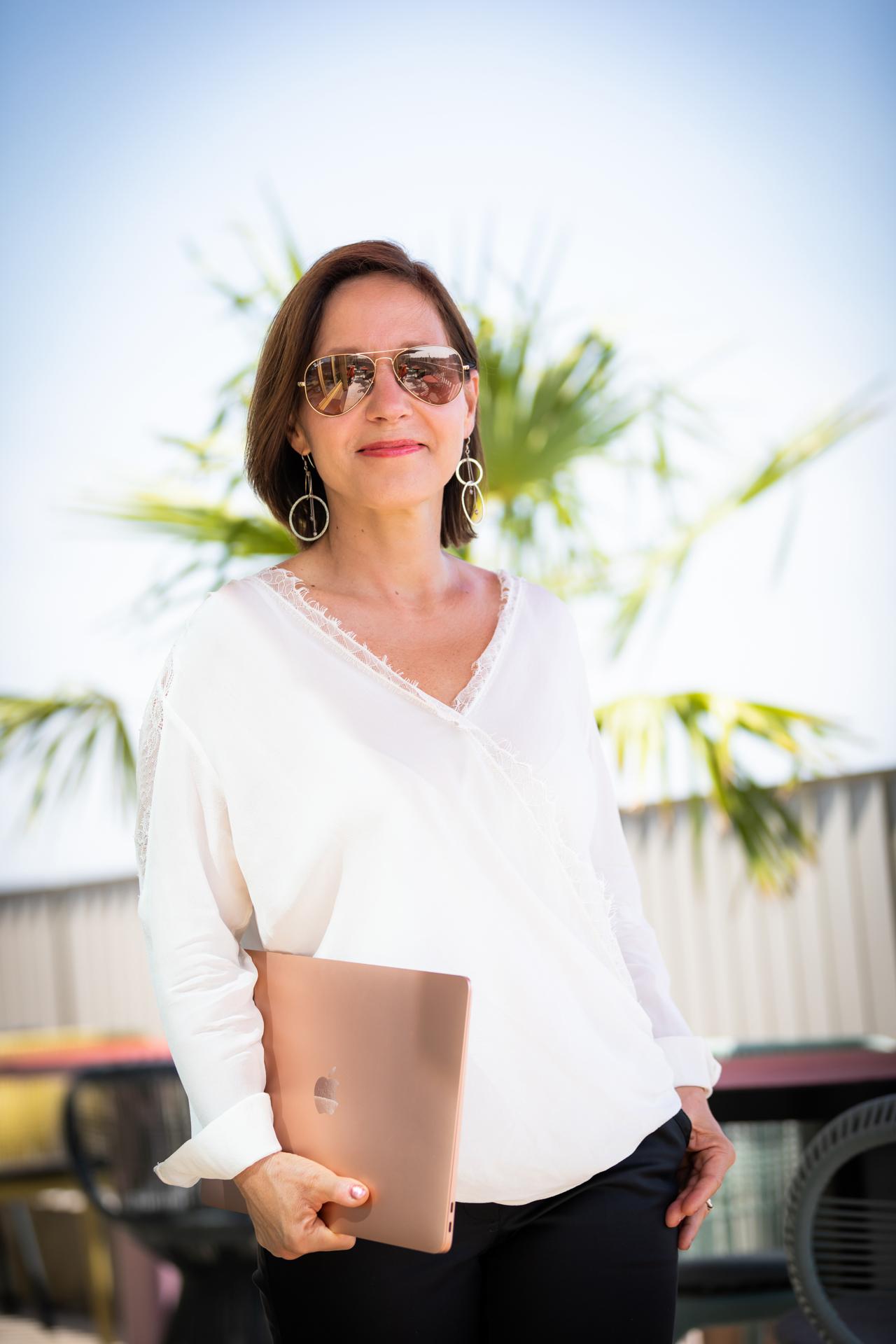 Life & Business Mentor Christine Rudolph mit Tasche